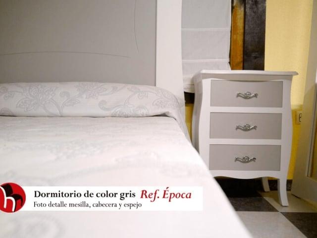 Dormitorio gris Ref. Época · Foto detalle Mesilla · Muebles Peñalver