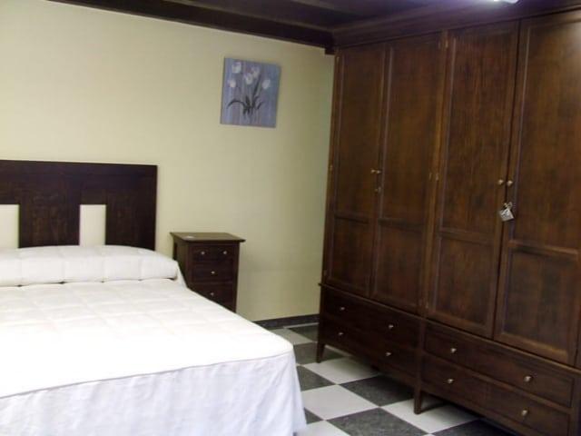 Armario Dormitorio Referencia Tapizado · Muebles Peñalver
